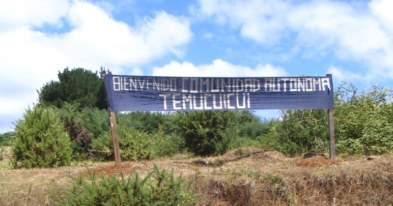"""Welcome to the Temucuicui Autonomous Community"" Photo by Donmatas1 on Flickr (CC BY-NC-SA 2.0)"