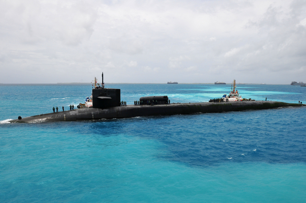 Ohio-class guided-missile submarine USS Georgia (SSGN 729) prepares to moor in Diego Garcia.  Photo: Official U.S. Navy Imagery (CC BY 2.0)