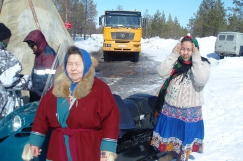 , Russia: Khanty take action to stop road construction through sacred site