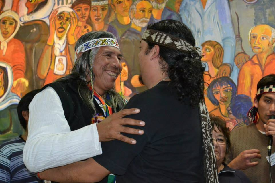 Felix Diaz of QOPIWINI and a Mapuche leader (Photo: Resistencia Qom)