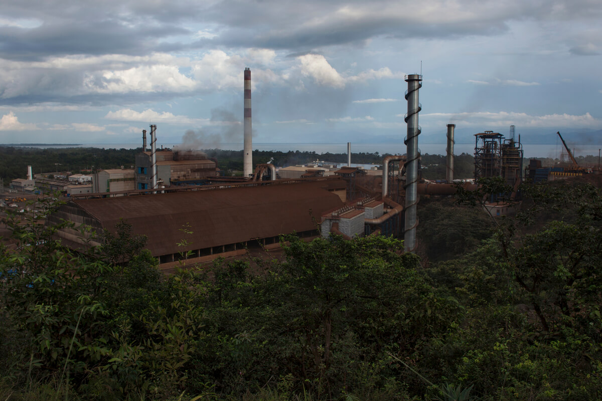 "The ""Fenix"" Mining Project in El Estor, Guatemala. Established in 1965 as the EXMIBAL nickel mine owned by Canadian mining firm INCO, the project was transferred to the Guatemalan Nickel Company (CGN) in 2005 after the expiration of the original 40-year license. CGN was the local subsidiary of Canadian Skye Resources, a junior mining company comprised of former INCO directors. Skye was bought by HudBay in 2008, and the project sold to the Russian-based Solway group in 2011.  (Photo: James Rodríguez/mimundo.org)"