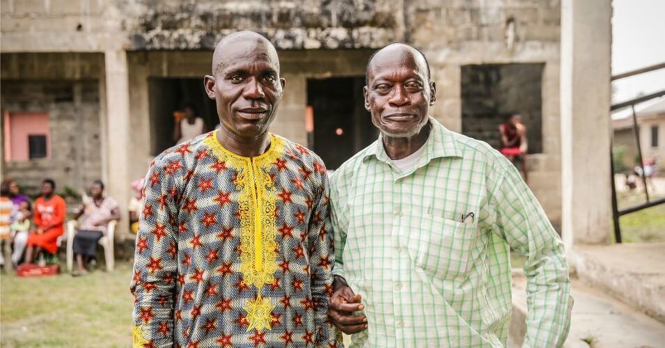 Alali Efanga & Chief Fidelis Oguru from Oruma, two plaintiffs in the Dutch court case against Shell. (Photo: Milieudefensie/flickr)