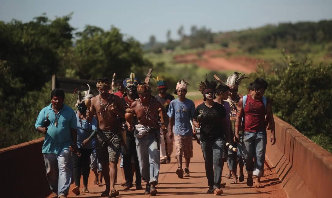 Munduruku march against the Tapajós dam. Photo: Cimi Archive / Ruy Sposati