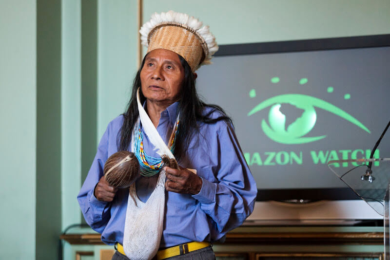 Berito discussing the threat of oil drilling at Amazon Watch's 2010 Annual Luncheon. Photo: Amazon Watch