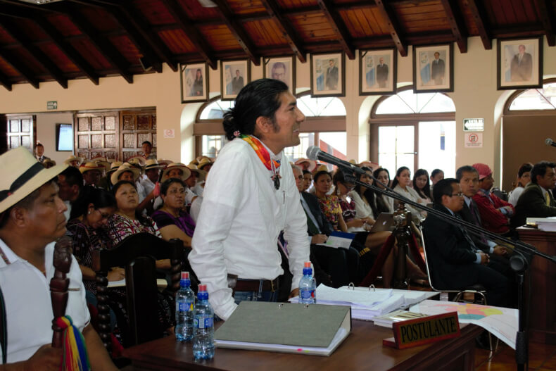 Carlos Perez Guartambel, Kichwa Kañari lawyer from the Andes, addresses the court as amicus curiae.