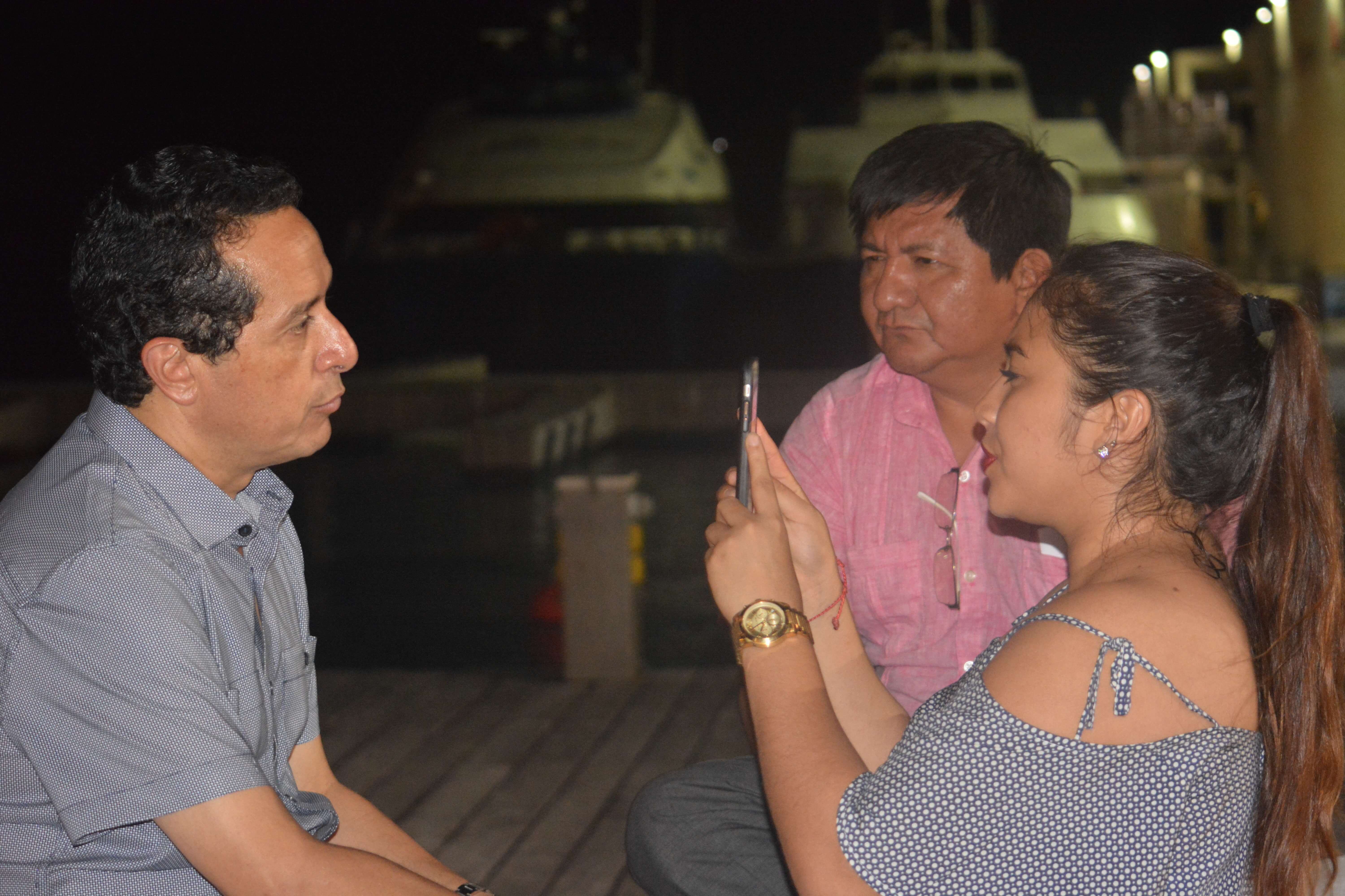 Pedro Canché and Mary Hernandez with Quintana Roo Governor-Elect Carlos Joaquin
