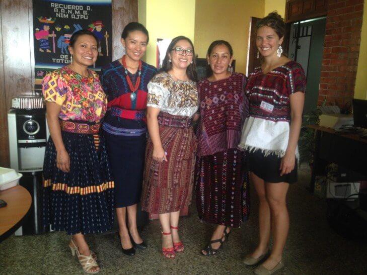 Abogadas Angelina Aspuac, Mellina Salvador, y Rosa Ixcol con Manuela Picq