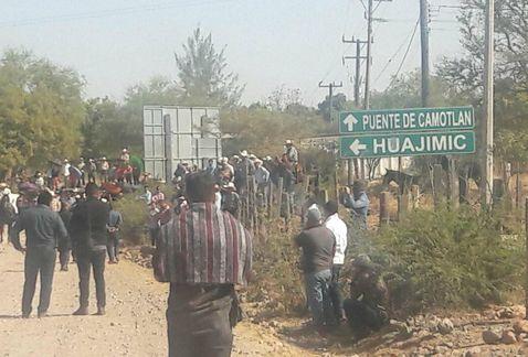 , MEXICO: Huajimic en rebelión: bloqueos, navajazos y amenazas de muerte