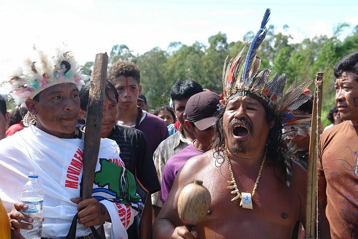 external image Indigenous-People-protesting-Belo-Monte-Dam-in-brazil.jpg